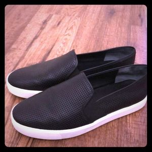 Vince Shoes - Vince Slip-on Sneakers